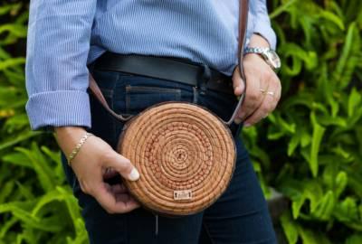 Bolso de pino pequeño